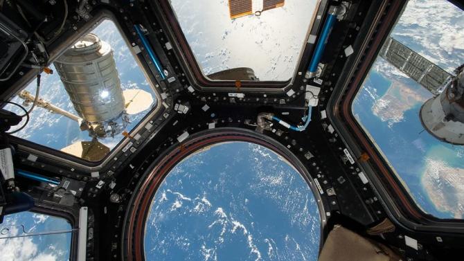 Готови са първите космически туристи, които Space X ще отведе до МКС