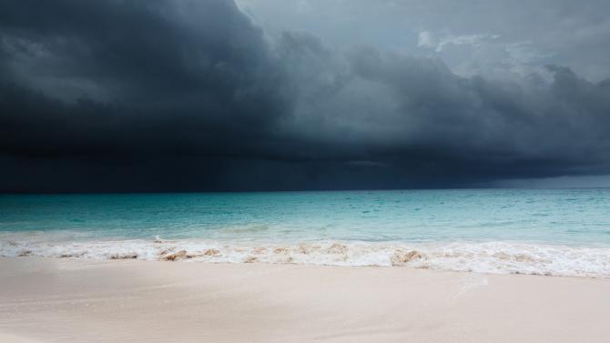 """Очаква се ураганът """"Ета"""" да достигне западния бряг на Флорида"""