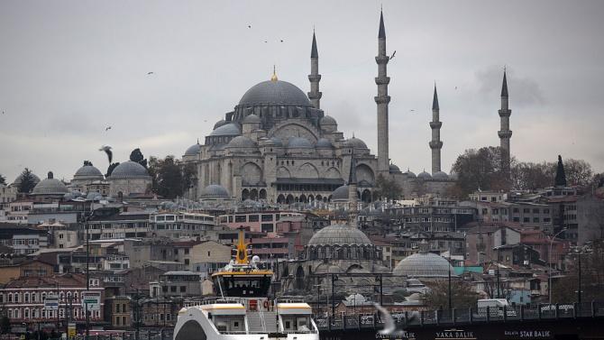 Над 70% спад на чуждите туристи в Истанбул