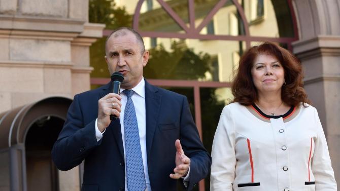 Вицепрезидентът Йотова: Кому е нужно да ходим по бръснача, като можем да вземем адекватни мерки?