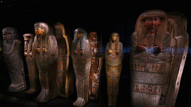 В Египет откриха саркофази с древни мумии и статуи