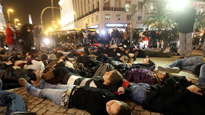 Стотици протестират в центъра на Лисабон, въпреки забраните