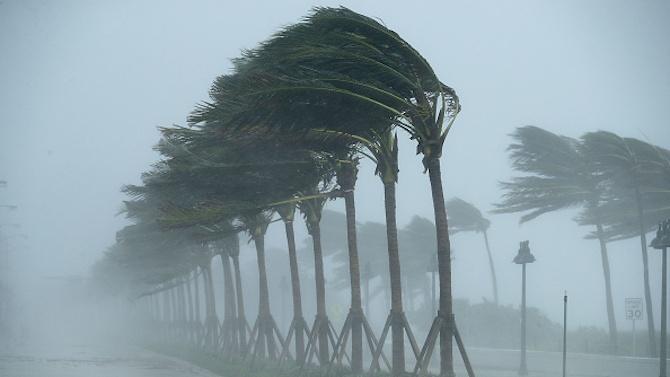 Ураганът Йота се засилва, приближавайки се към Централна Америка