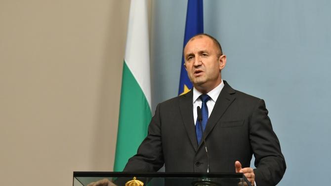 Румен Радев изразява съболезнования на семейството, близките и колегите на д-р Емил Илиев