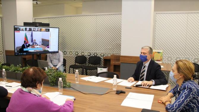 Вицепремиерът Николова откри българо-турски онлайн бизнес форум