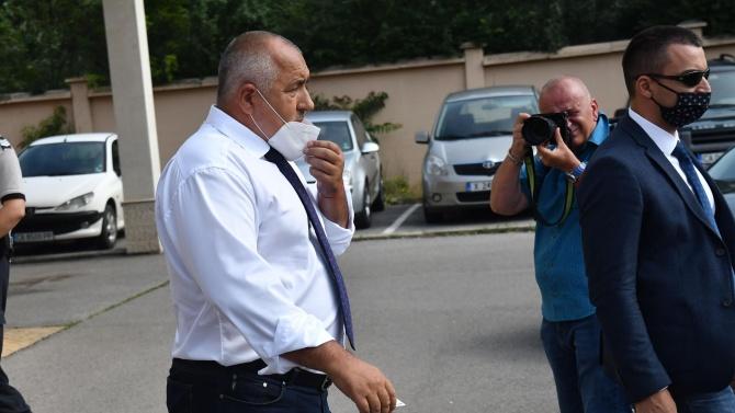 И в събота на път: Борисов посети завод за военни коли