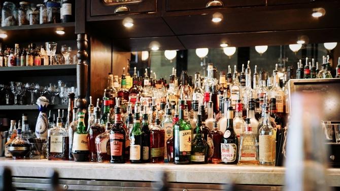 Бизнесът призова за масови проверки на партитата в частни помещения