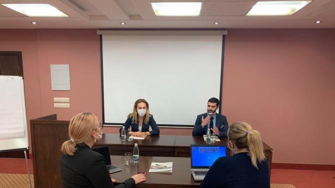 Вицепремиерът Николова разговаря с представителите на бизнеса във Велинград