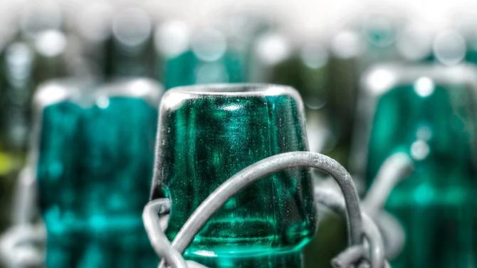 Стъклените бутилки са 4 пъти по-вредни за околната среда от пластмасовите