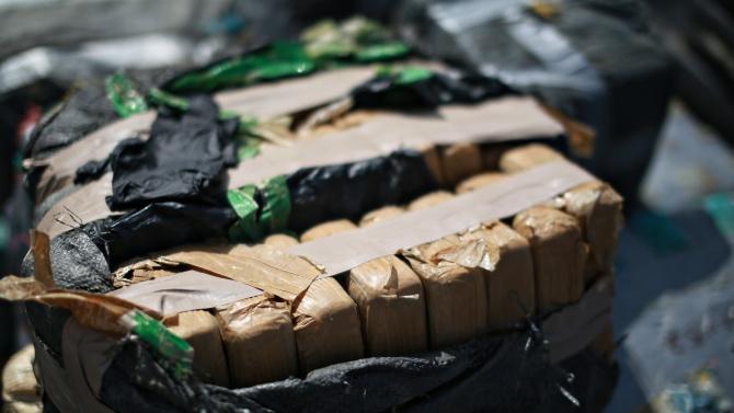 Откриха кокаин в тоалетната на самолет, изпълняващ полет между Колумбия и Мексико