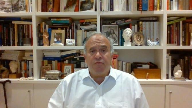 Проф. Давид Хаят: Как да намалим вредата от пушенето и риска от болести