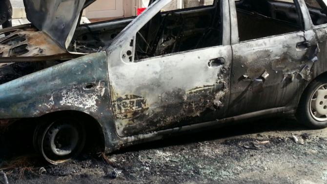 Кола се запали след катастрофа в Монтанско, шофьор пострада