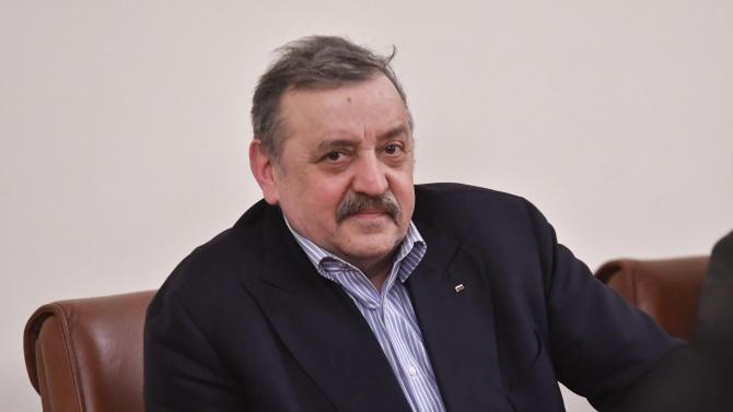 Проф. Кантарджиев: Искам да подхождаме сериозно и трезво към нещата, няма задкулисие