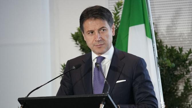 Джузепе Конте призова италианците да не ходят на ски по Рождество