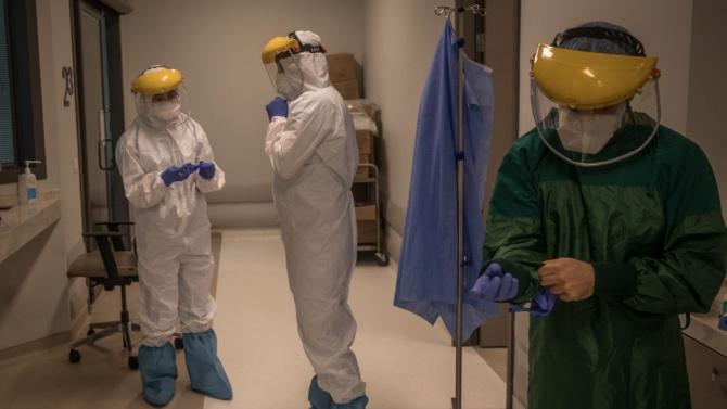 Иран регистрира рекорден брой заразени и починали от коронавируса за денонощие