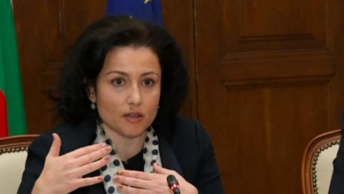 Десислава Танева: Скърбим истински за загубата на проф. Чирков
