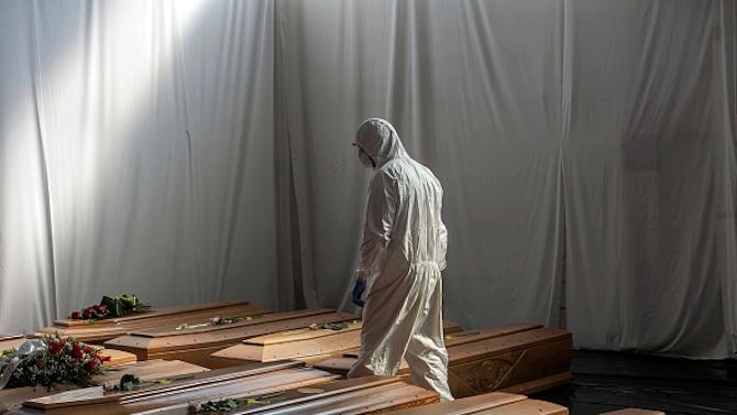 Италия регистрира 853 смъртни случая от COVID-19 за денонощие