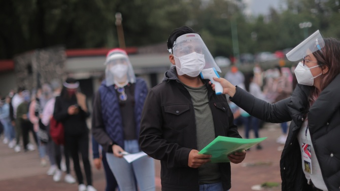 Канада и Мексико регистрираха нови случаи на заразяване с коронавирус