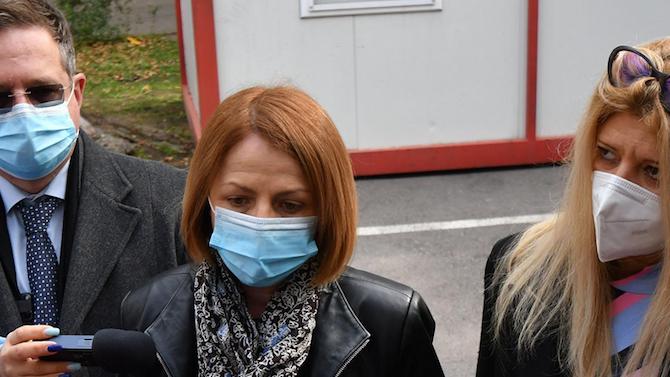 Фандъкова: Две детски градини ще се грижат за децата на медиците в София