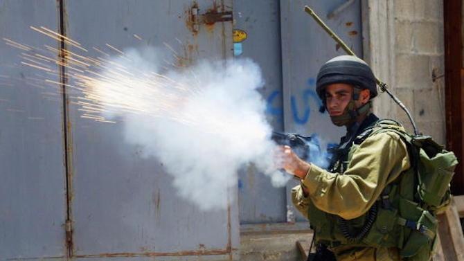Израелски войници застреляха днес палестинец, който според полицията, се е