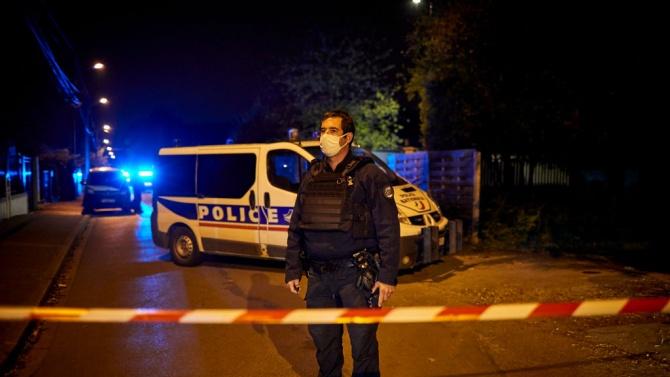 Обвиниха още четирима гимназисти за убийството на френския учител