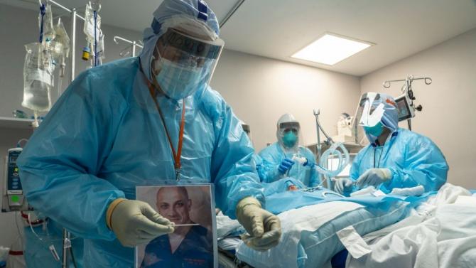Броят на пациентите с COVID-19 в болници в САЩ достигна рекордните 90 000