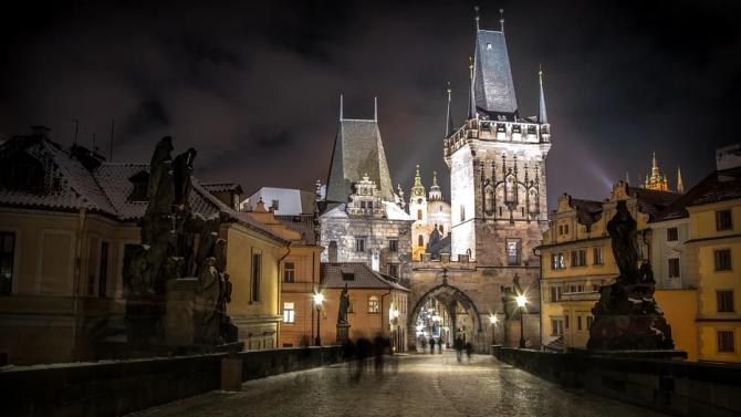 Чехия обсъжда смекчаване на ограниченията срещу коронавируса