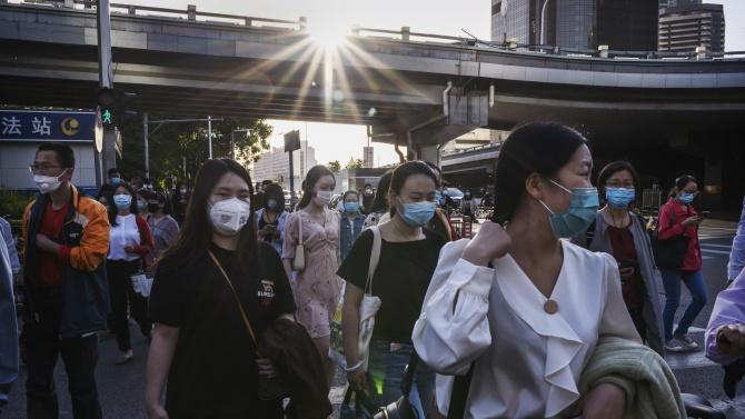 Българин в Шанхай разкри оспорват ли китайците като българите носенето на маски