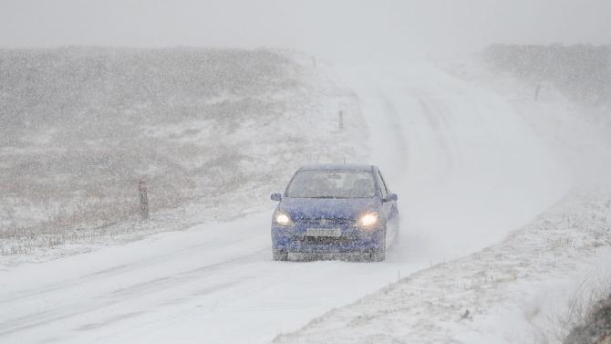 Жълт код за снеговалежи и навявания за цялата страна днес