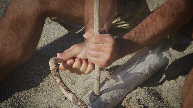 Неандерталците са можели лесно да държат чук, но не и монета