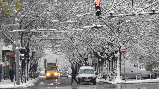 Запазва се зимното разписание на столичния градски транспорт