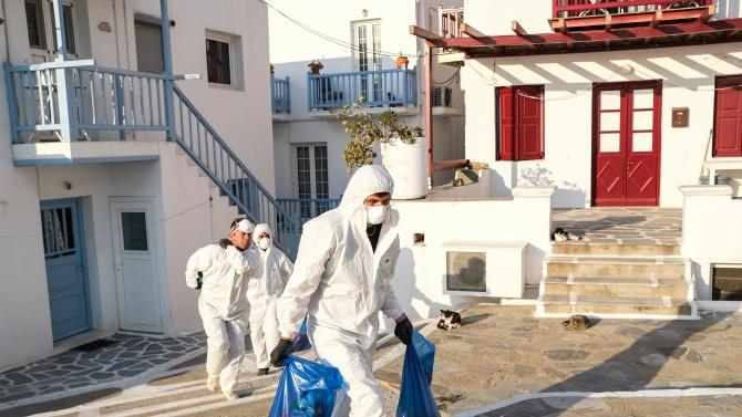 Вдигането на ограниченията в Гърция изглежда се отлага