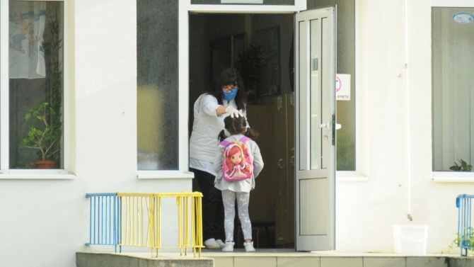 В детска ясла в Нова Загора ще има дежурна група за деца на медици