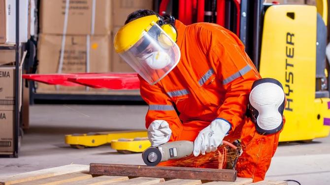 КНСБ и АИКБ предлагат изменения в Кодекса на труда