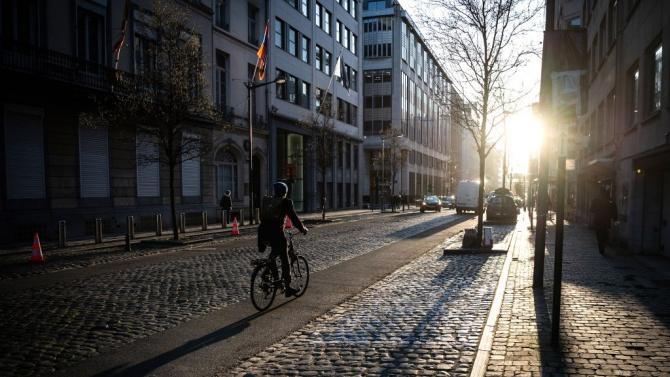 Брюксел преминава на скорост 30 км/ч.
