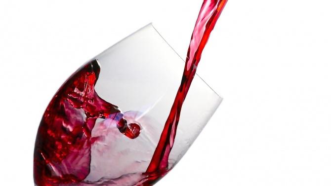 """Разкри голяма схема за """"фалшиво вино"""" в Сицилия"""