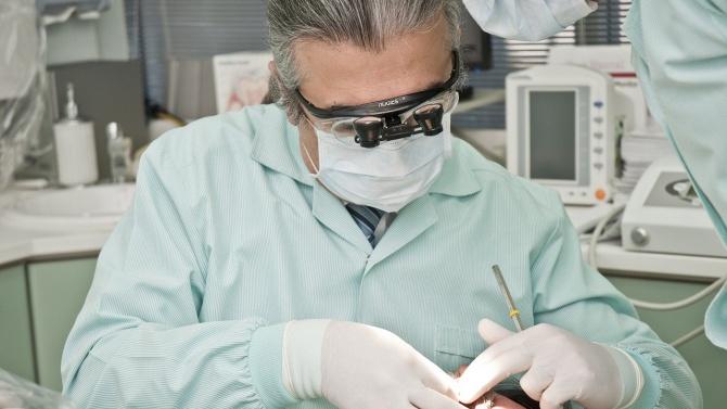 Стоматолозите искат достъп до регистъра на заразените и боледуващите от