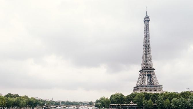 Отварят Айфеловата кула за посетители  от средата на декември