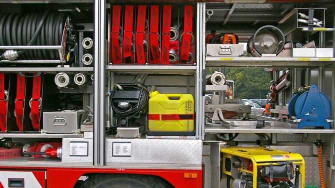 Огнеборците са гасили пожар в покрив на къща