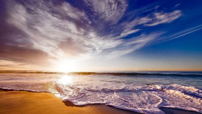 Кабинетът дава на концесия два плажа