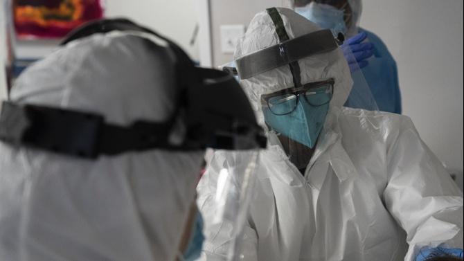 Броят на хоспитализираните пациенти с коронавирус в САЩ надхвърли 100 000 души