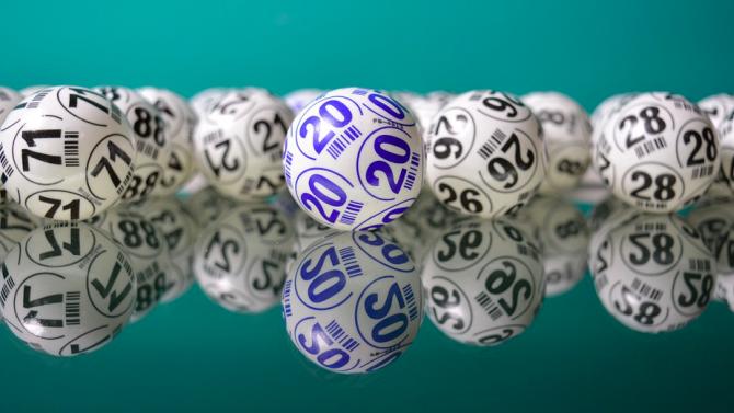 Необичаен джакпот в Южна Африка - комбинацията 5,6,7,8,9 и 10 донесе късмет на 20 души