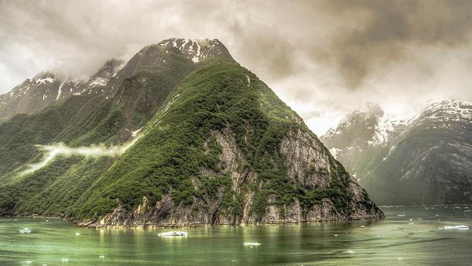 Гигантски супервулкан тлее под Алеутските острови?