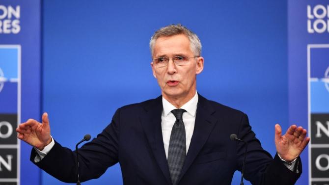 НАТО запазва целта за ръст на отбранителните разходи