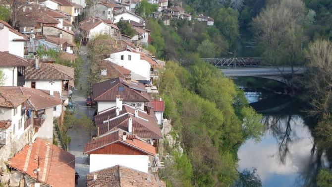 Над 50 нови работни места в социални услуги и заетост разкри Община Велико Търново