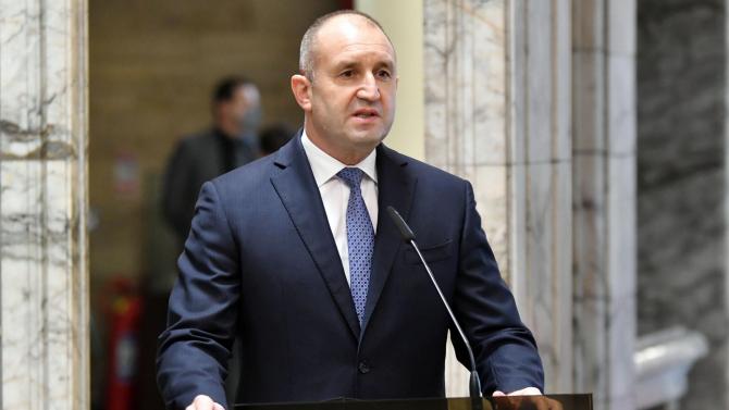 Президентът изразява съболезнования на семейството и близките на генерал Стоян Топалов