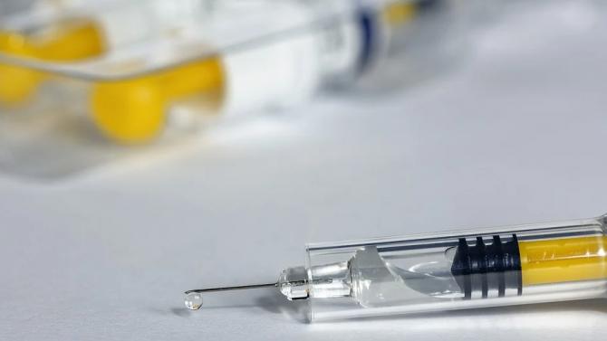 Цън Цон: В Китай над 1 милион са ваксинирани срещу COVID-19