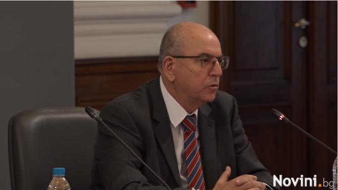 На живо: Създават национален ваксинационен щаб с председател проф. Красимир Гигов