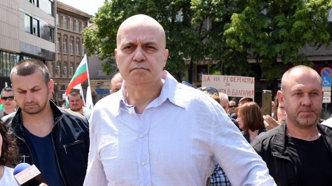 В България има новаофициална религия и нейният върховен жрец е