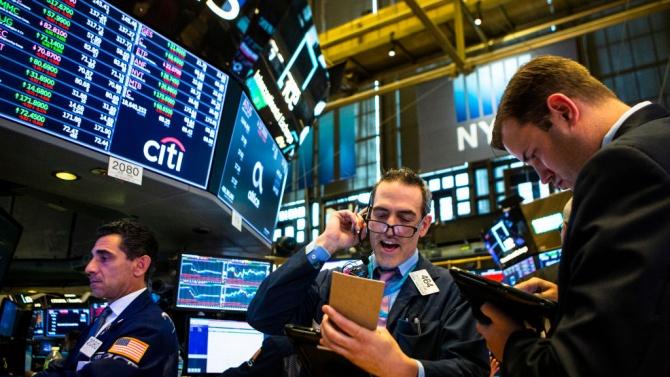 И трите водещи индекса на Нюйоркската фондова борса приключиха седмицата